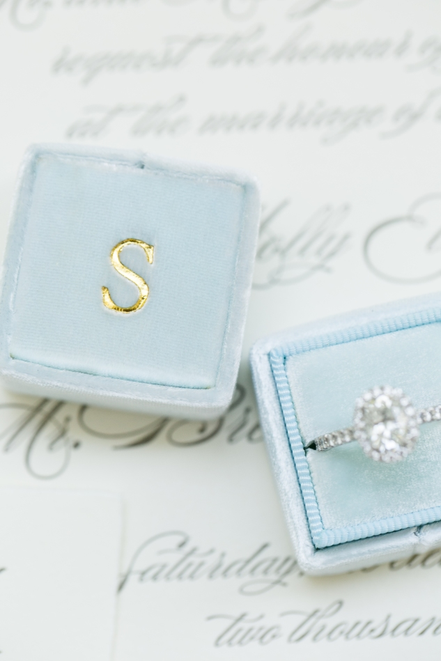inn-at-warner-hall-classic-pale-blue-wedding-photo-amanda-hedgepeth-11