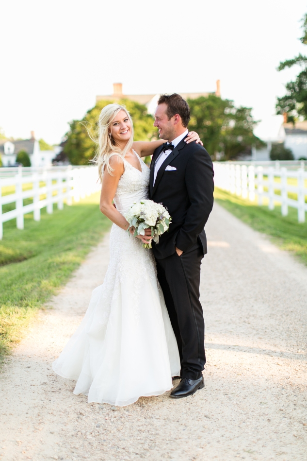 inn-at-warner-hall-classic-pale-blue-wedding-photo-amanda-hedgepeth-110