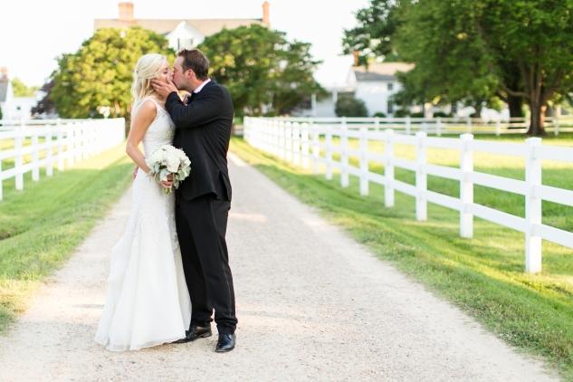 inn-at-warner-hall-classic-pale-blue-wedding-photo-amanda-hedgepeth-112