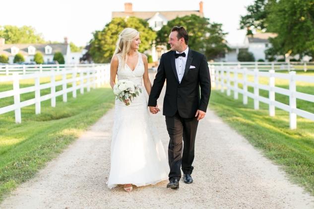inn-at-warner-hall-classic-pale-blue-wedding-photo-amanda-hedgepeth-114