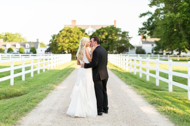 inn-at-warner-hall-classic-pale-blue-wedding-photo-amanda-hedgepeth-115