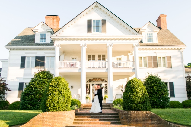 inn-at-warner-hall-classic-pale-blue-wedding-photo-amanda-hedgepeth-117