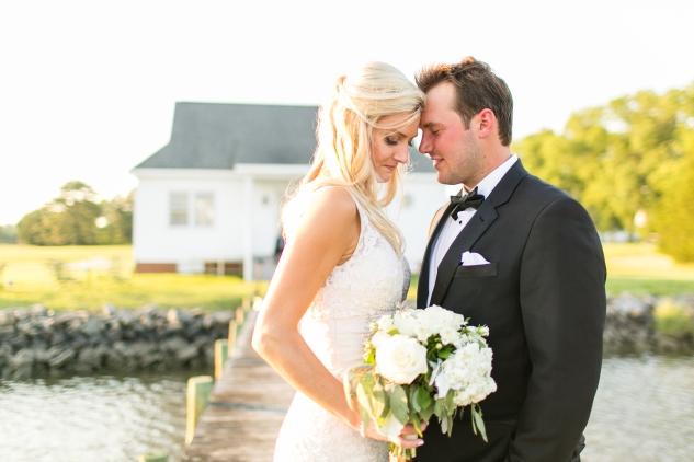 inn-at-warner-hall-classic-pale-blue-wedding-photo-amanda-hedgepeth-124