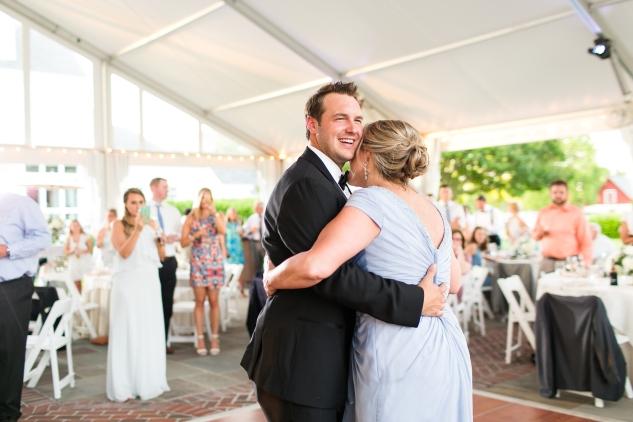 inn-at-warner-hall-classic-pale-blue-wedding-photo-amanda-hedgepeth-130