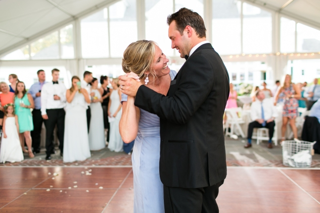 inn-at-warner-hall-classic-pale-blue-wedding-photo-amanda-hedgepeth-131