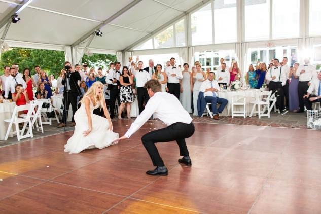 inn-at-warner-hall-classic-pale-blue-wedding-photo-amanda-hedgepeth-137