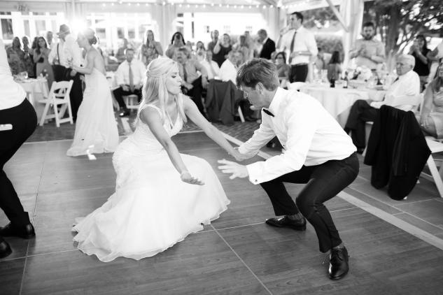 inn-at-warner-hall-classic-pale-blue-wedding-photo-amanda-hedgepeth-138