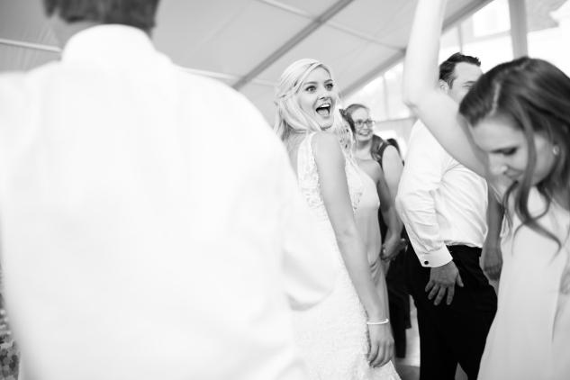 inn-at-warner-hall-classic-pale-blue-wedding-photo-amanda-hedgepeth-139