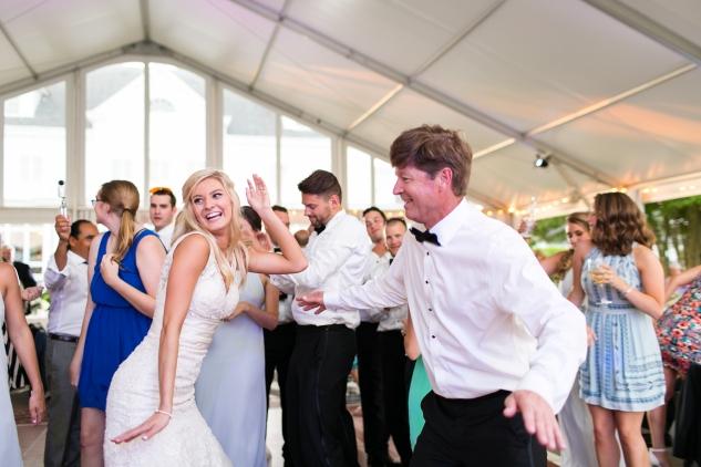 inn-at-warner-hall-classic-pale-blue-wedding-photo-amanda-hedgepeth-140