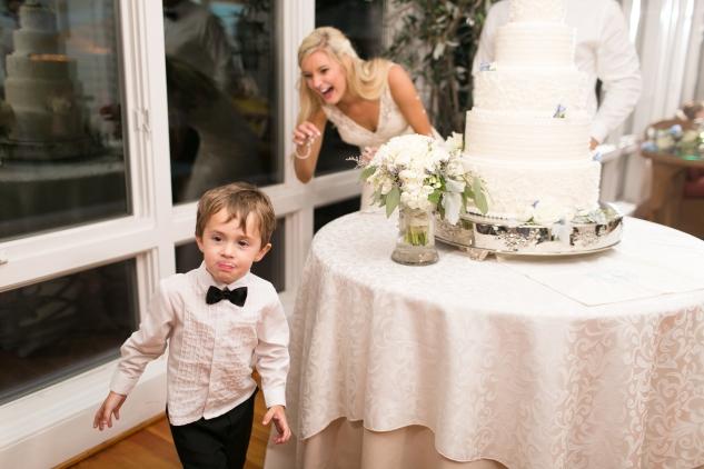 inn-at-warner-hall-classic-pale-blue-wedding-photo-amanda-hedgepeth-169