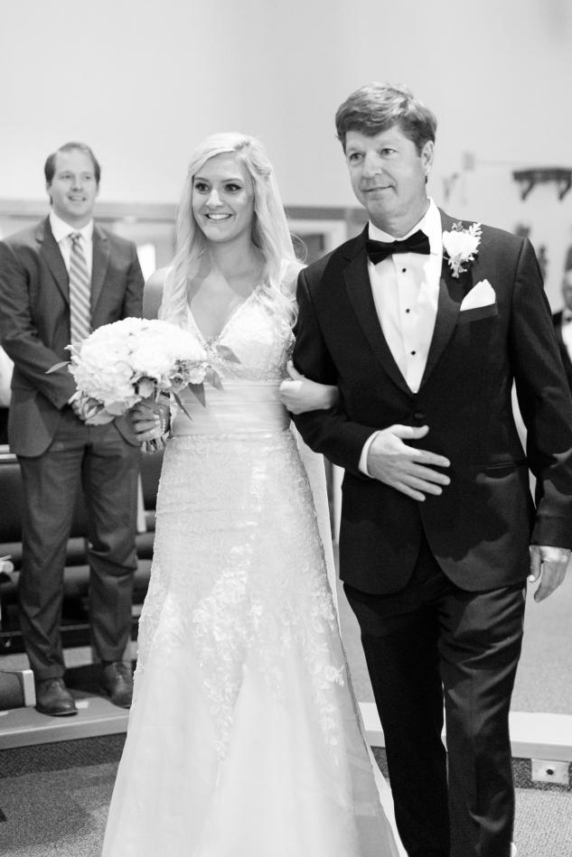 inn-at-warner-hall-classic-pale-blue-wedding-photo-amanda-hedgepeth-31