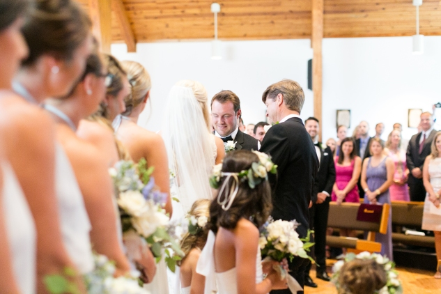 inn-at-warner-hall-classic-pale-blue-wedding-photo-amanda-hedgepeth-32