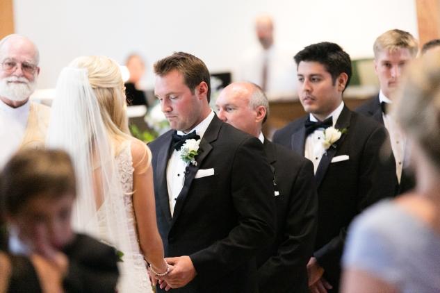 inn-at-warner-hall-classic-pale-blue-wedding-photo-amanda-hedgepeth-33