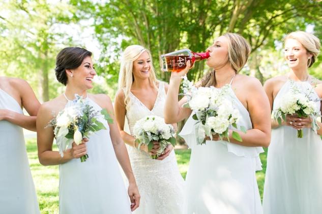 inn-at-warner-hall-classic-pale-blue-wedding-photo-amanda-hedgepeth-66
