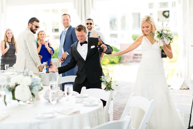 inn-at-warner-hall-classic-pale-blue-wedding-photo-amanda-hedgepeth-91