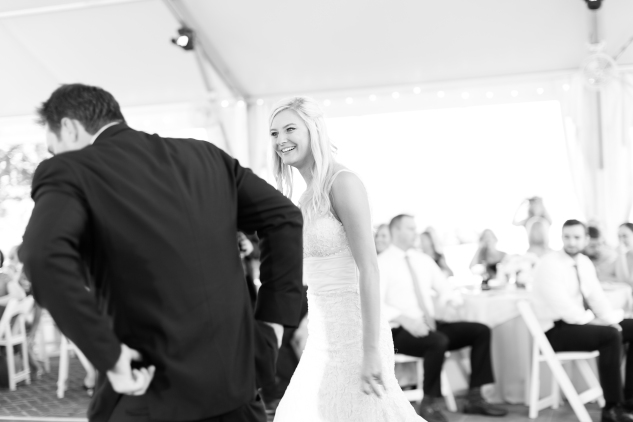 inn-at-warner-hall-classic-pale-blue-wedding-photo-amanda-hedgepeth-92