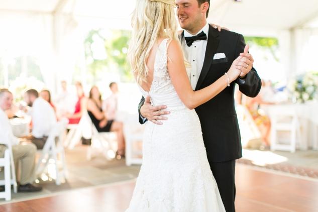 inn-at-warner-hall-classic-pale-blue-wedding-photo-amanda-hedgepeth-93