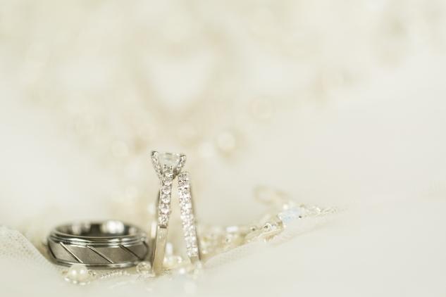 jordan-daniel-yacht-club-marina-shores-virginia-beach-hokie-wedding-11