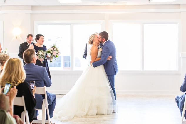 kirsten-matthew-water-table-wedding-35