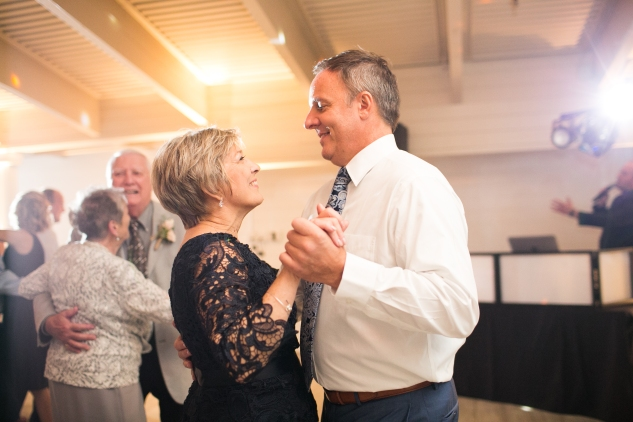 kirsten-matthew-water-table-wedding-77