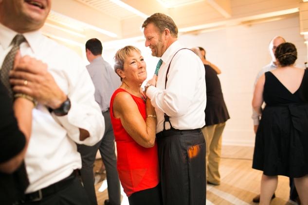 kirsten-matthew-water-table-wedding-78