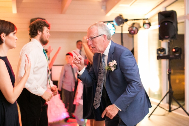 kirsten-matthew-water-table-wedding-86