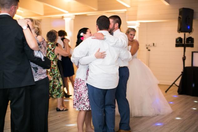 kirsten-matthew-water-table-wedding-90