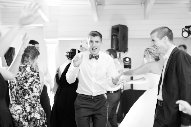 kirsten-matthew-water-table-wedding-93