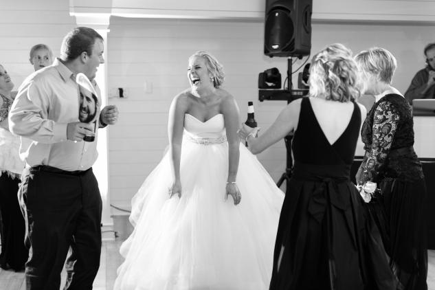 kirsten-matthew-water-table-wedding-96