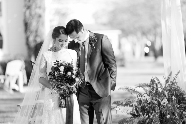carly-charlie-wedding-blog-edenton-north-carolina-inner-banks-inn-45