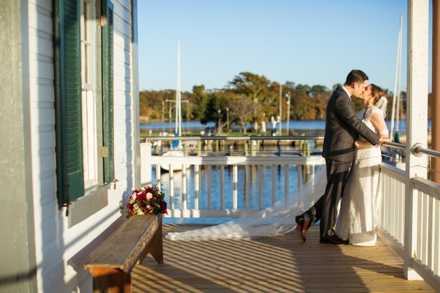 carly-charlie-wedding-blog-edenton-north-carolina-inner-banks-inn-60