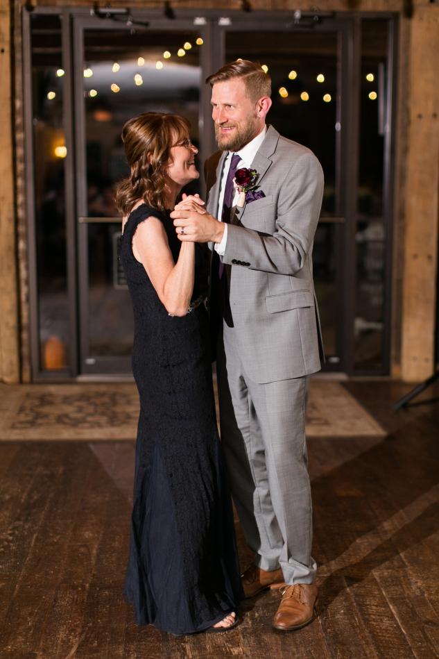 winery-bull-run-wedding-photo-amanda-hedgepeth-101