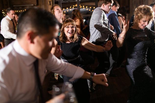 winery-bull-run-wedding-photo-amanda-hedgepeth-109