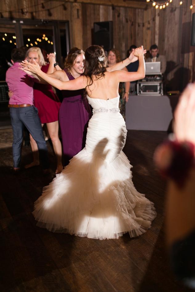 winery-bull-run-wedding-photo-amanda-hedgepeth-117