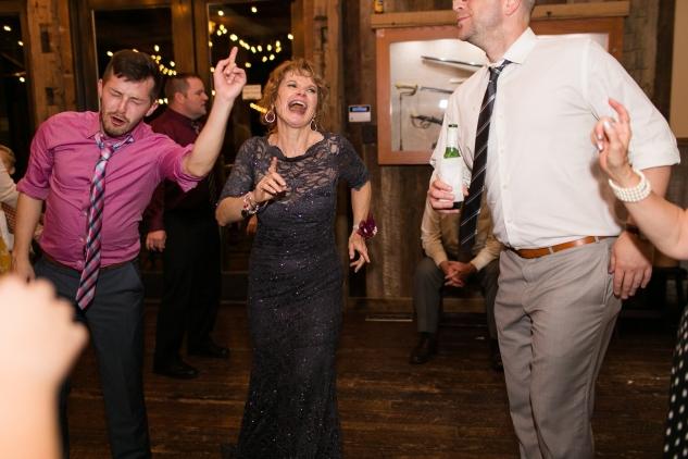 winery-bull-run-wedding-photo-amanda-hedgepeth-118