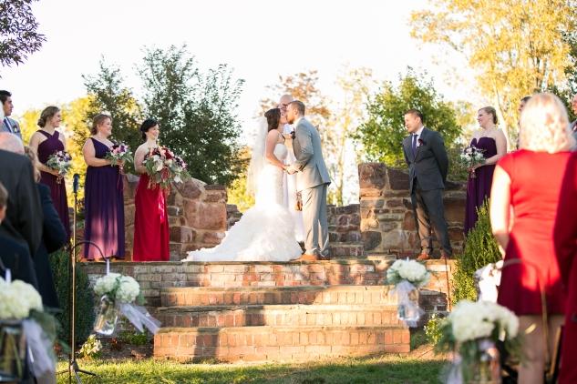 winery-bull-run-wedding-photo-amanda-hedgepeth-41
